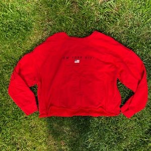 Gina Tricot NYC red cropped crewneck New York City